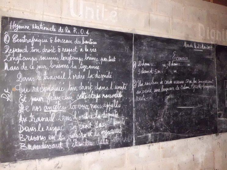 An der Tafel steht noch das Datum des Vortages der Flucht: der